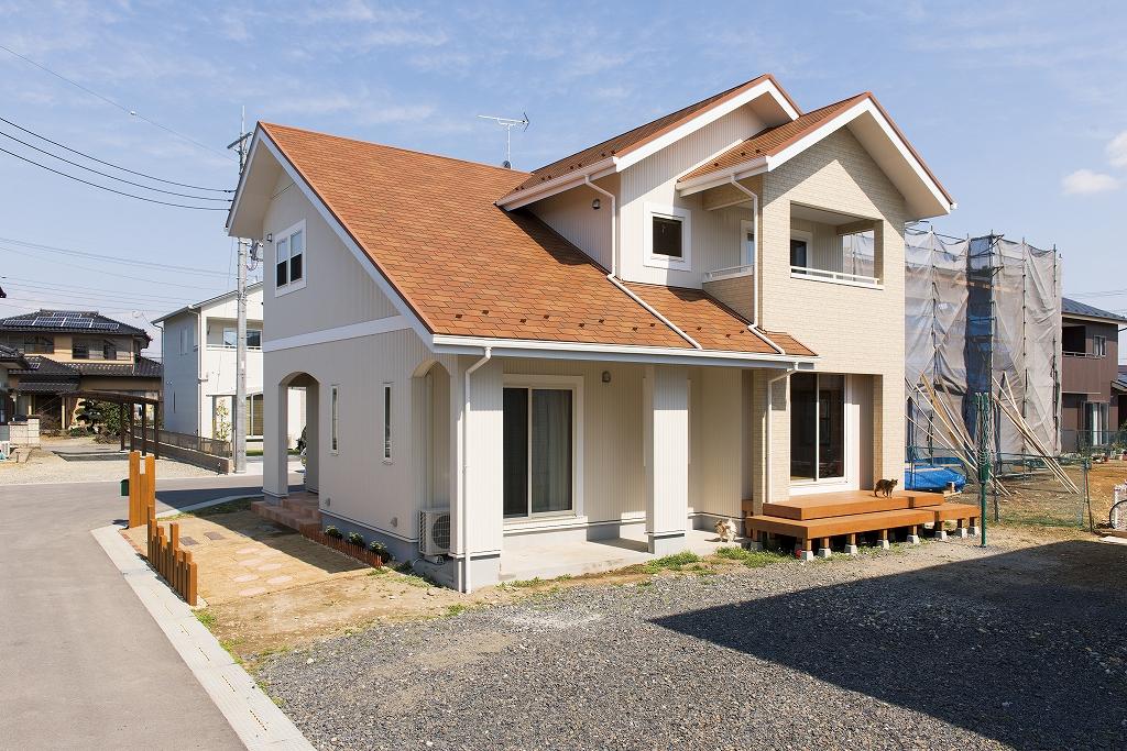 勾配天井が叶えた開放的な無垢の家